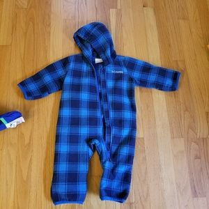 6-12 month (fits like 9-12), Columbia snowsuit